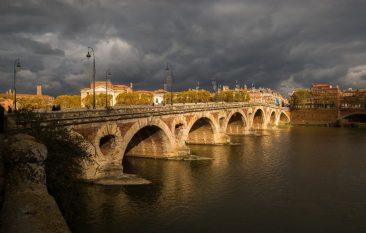 Pont Neuf Bridge Toulouse